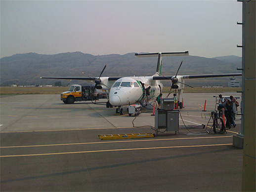 Dash-8 100 at Kamloops Airport